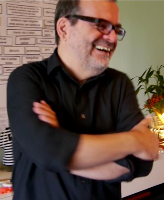 Sergio Lacarte diretor de criação e  artista plástico