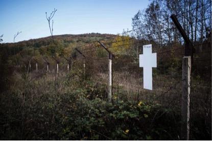 Cerca entre a fronteira da Bulgária e Turquia, perto da vila de Slivarovo. (www.politicalbeauty.com via AFP)